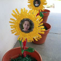 27 Ideas Spring Art Projects For Kids Student Open House Spring Art Projects, Projects For Kids, Art Deco Tattoo, Sunflower Room, Classroom Decor Themes, Classroom Ideas, Human Body Art, Yellow Theme, Spring Activities