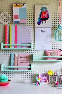 31 Pegboard Ideas for Your Craft Room. 31 Pegboard Ideas for Your Craft Room.while I was doing research for my pegboard I found more inspiration then I'll ever need Pegboard Ideas for Your Craft Room to be exact)! Pegboard Organization, Home Office Organization, Ikea Pegboard, Kitchen Pegboard, Organizing Ideas, Ikea Office Hack, Painted Pegboard, White Pegboard, Kitchen Rack
