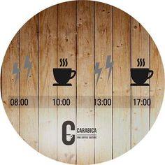 """Wann ist die beste Zeit für einen Kaffee? Wir sagen """"na, immer"""" und meinen damit natürlich, dass man Kaffee immer genießen sollte, wenn man etwas Zeit für eine Auszeit hat. Tatsächlich gibt es aber eine wissenschaftlich gesehen ideale Tageszeit, um Kaffee zu trinken. #bohnendesglücks #carabica #kaffeewissen #koffein"""