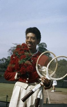 LIFE legend and American tennis player Althea Gibson posing with a bouquet of roses, her tennis racquets and a trophy after her victory in the French Championships (later the French Open), Paris, France, May (Thomas D. Althea Gibson, Women In History, Black History, American Tennis Players, Tennis World, Rihanna Style, Life Pictures, Picture Collection, Life Magazine