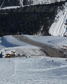 #Courchevel_Airport in #France http://directrooms.com/france/hotels/courchevel-hotels/price1.htm