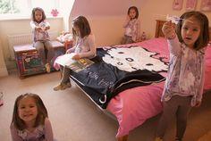 Clone Photos - Clone selfie for Children Toddler Bed, Selfie, Pictures, Photos, Children, Photography, Jasmine, Bodies, Fotografie