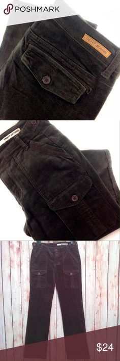 """DKNY So-Low-Lita Jean Beautiful, Excellent Condition! EUC.  Dark coffee brown, very fine ribbed soft, DKNY So- Low-Lita jeans!  Misses size 6. Waist 31"""".  Inseam 32"""".  Straight leg.  Made of 97% cotton, 3% Spandex.                                                       Please ask all your questions before you purchase! I am happy to help! Sorry, no trades or holds. Please, no lowball offers Please use Offer Button! Happy Poshing! DKNY Jeans Straight Leg"""