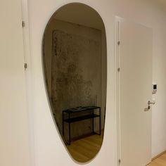 Klare Sicht 😀 #mirror #cattelanitalia #newone #interior #interiordesign #amazing #home #homesweethome #living2020 #😊 Interiordesign, Oversized Mirror, Furniture, Home Decor, Decoration Home, Room Decor, Home Furnishings, Home Interior Design, Home Decoration