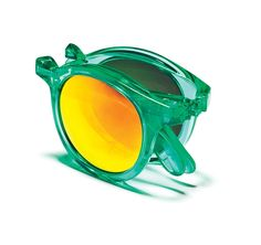 Ski Fashion Trends: Compact Sunglasses. A hit of the French Alps in the '80s, Sunpocket shades make a comeback. #thesnowmag.com #snowmagazine    A hit of the French Alps in the '80s, Sunpocket shades make a comeback.
