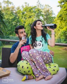 The Best Pre Wedding Photography Ideas For 2019 Couples - Wedding photoshoot - Jeanne Lopez Pre Wedding Shoot Ideas, Pre Wedding Poses, Pre Wedding Photoshoot, Wedding Couples, Prewedding Photoshoot Ideas, Wedding Bride, Indian Wedding Couple Photography, Couple Photography Poses, Photography Ideas