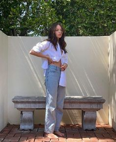 Indie Outfits, Fashion Outfits, Claudia Sulewski, Just Style, 2000s Fashion, Bellisima, Spring Summer Fashion, Mom Jeans, Vintage Outfits