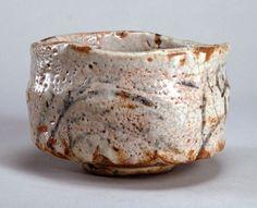 東京国立博物館 - コレクション 名品ギャラリー 陶磁 志野茶碗(しのちゃわん)銘 振袖(めい ふりそで)