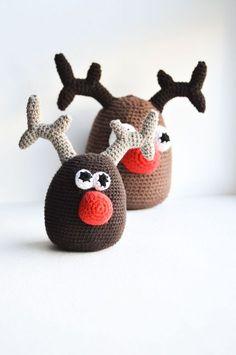 Nem hækleopskrift på Rudolf. Sød hæklet julepynt i form af et rensdyr.