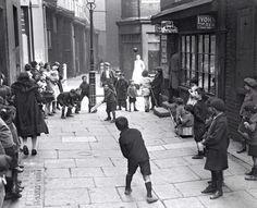 Sunday morning cricket #London c1930