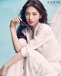 Suzy Poses For Carin