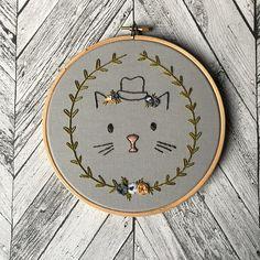 Illustration de chat avec chapeau Floral broderie  Hoop 7