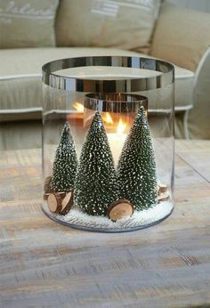 Pleasantly Fragrant DIY Christmas Candle Craft Ideas ~ Home Decoration Inspiration Christmas Makes, Noel Christmas, Simple Christmas, Christmas Ideas, Green Christmas, Outdoor Christmas, Christmas Crafts, Christmas Candle Lights, Christmas Candle Decorations