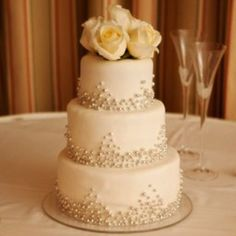 small pretty wedding cakes | Pretty little cake with beads
