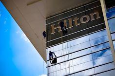 Hilton - Wayfinding - CLA Programação Visual - Creative Director: Cynthia Araujo - Designer: Raphael Imenes & Carolina Senra