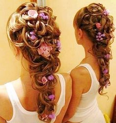 Loose flower crown wedding --pretty. My hair will be a bit looser than this...