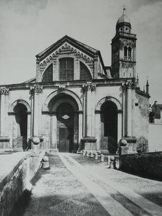Verona - chiesa di S. Maria in Organo - è visibile il ponte che attraversava il canale, ora interrato, dell' Acqua Morta -foto Moritz Lotze 1880 circa Thumbnail for version as of 12:54, 31 March 2008