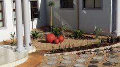 Using spheres as focal point Gardens, Contemporary, Landscape, Creative, Plants, Inspiration, Home Decor, Biblical Inspiration, Decoration Home