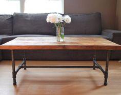 """Artículos similares a Mesa de centro de madera con patas de tubo de acero de reclamado madera, estándar 1,65"""" top, x 30"""" L x 30"""" w x 18"""" de alto en Etsy"""