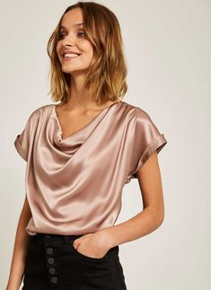 Style Fashion Tips Blush Satin Cowl Top.Style Fashion Tips Blush Satin Cowl Top Satin Top, Silk Top, Cowl Neck Top, Satin Blouses, Blouse Outfit, Velvet Tops, Blouse Styles, Fashion Outfits, Fashion Tips