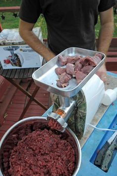 Is your Deer Meat Tough, dry & Gamey-Tasting? Check out this list of 12 Deer-Butchering sins to find out why your Venison Tastes Bad & how to make it better Deer Recipes, Wild Game Recipes, Deer Burger Recipes, Deer Meat Recipes Ground, Ground Venison Recipes, Recipes With Venison Burger, Jerky Recipes, Sausage Recipes, Cooking Recipes
