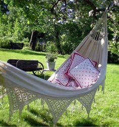 Pondicherry, Book Nooks, Garden Inspiration, Garden Ideas, Outdoor Furniture, Outdoor Decor, Hanging Chair, Outdoor Gardens, Outdoor Living