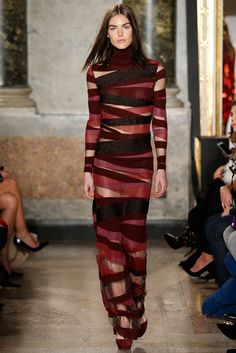 Emilio Pucci F/W 2015, at MFW. It's a perfect combination of demure and elegant and risqué. Will probably end up on the red carpet.