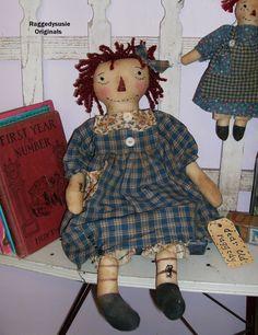 Primitive Raggedy Ann doll set Olde Homespun Annie cupboard with lil baby ANN