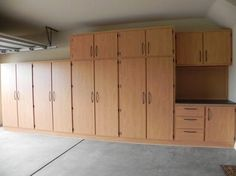 garage cabinet plans with the interior design is another important idea. Some models of garage cabinet plans free tell you how color scheme has a great influen Garage Cabinets Ikea, Armoire Garage, Diy Cabinets, Plywood Cabinets, Utility Cabinets, Kitchen Cabinets, Woodworking Garage, Woodworking Projects Diy, Diy Projects