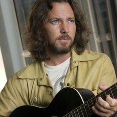 See Eddie Vedder pictures, photo shoots, and listen online to the latest music. Great Bands, Cool Bands, Matt Cameron, Pearl Jam Eddie Vedder, The Jam Band, Sing To Me, My Favorite Music, Favorite Things, Bearded Men