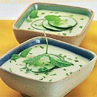 Gazpacho de apio y pepino Organic Recipes, Raw Food Recipes, Vegetable Recipes, Soup Recipes, Vegetarian Recipes, Cooking Recipes, Ethnic Recipes, Gaspacho Soup, European Cuisine