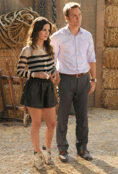 Zoe's striped blouse and black shorts on Hart of Dixie.  Outfit details: http://wornontv.net/1186/