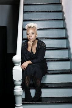 Emeli Sande aka my new favorite artist. Music Icon, Soul Music, Her Music, Music Is Life, Easy Listening Music, Sound Of Music, Soul Artists, Music Artists, Short Relaxed Hairstyles