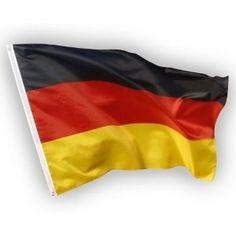 Deutschland Flagge EM / WM Fahne aus Stoff mit doppelt umsäumten Fahnenrand, 2 Messing-Ösen zum Hissen, für Fahnenmast (ohne Stab), Deutsche Nationalflagge, Fußball Weltmeisterschaft Fanartikel Weltmeisterschaft 2018.      aricona Hissfahne: USA, Germany und EU Flag. Fahnen aus 100% Polyester sind wind-, wetter- und lichtfest Die Größe ist wählbar zwischen 90x150 cm groß und 60x90 cm klein. Deutschlandflagge ist aus reißfestem, strapazierfähigem Stoff mit doppelt umsäumten Fahnenrand.