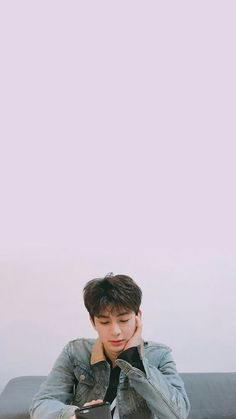 Shared by JU_NHOE. Find images and videos about kpop, song and Ikon on We Heart It - the app to get lost in what you love. Yg Ikon, Ikon Kpop, Yg Groups, Bobby, Ikon Songs, Winner Ikon, Ikon Member, Ikon Debut, Ikon Wallpaper
