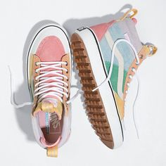 Browse bestselling Shoes at Vans including Women's Classics, Slip-On, Surf and Sandals. Shop at Vans today! Hype Shoes, Women's Shoes, Me Too Shoes, Shoes Sneakers, Cool Vans Shoes, Shoes Style, Good Shoes, Vans Tennis Shoes, Cute Shoes Boots