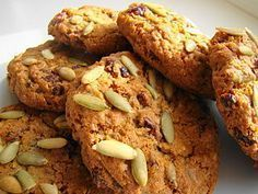 Best Pumpkin Seed Recipes - How, Why You Should Use Pepitas More Often Pumpkins seeds add crunch and Healthy Cookie Recipes, Healthy Cookies, Healthy Sweets, Mexican Food Recipes, Sweet Recipes, Cooking Recipes, Best Pumpkin Seed Recipe, Pumpkin Seed Recipes, Biscuits