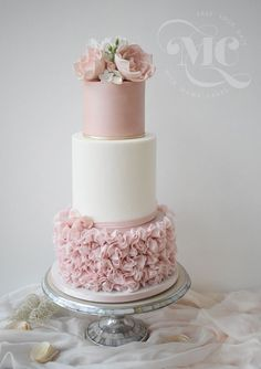 2019 Most Popular Wedding Cakes You Will Love--blush and white wedding cakes with ruffle, elegant wedding ideas, spring weddings blush wedding cakes Blush Wedding Cakes, Floral Wedding Cakes, Elegant Wedding Cakes, Elegant Cakes, Wedding Cake Designs, Wedding Cake Toppers, Cake Wedding, Rustic Wedding, Wedding Bands