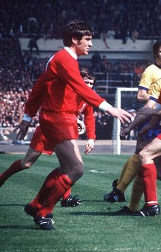 Emlyn Hughes Liverpool 1971 Pure Football, Retro Football, Football Soccer, Liverpool Football Club, Liverpool Fc, Emlyn Hughes, Fa Cup Final, Superhero, Legends