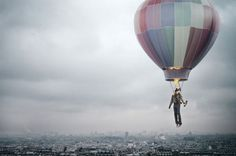 Créativité, ville, smog, gens, ballon à air chaud, feu, vol