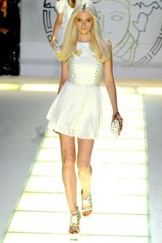 versace ready to wear 2012 - finally something that doesn't look like from a bazaar