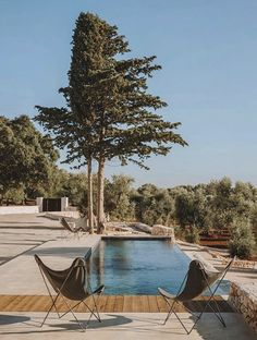 15 UNIQUE WEEKEND GETAWAY SPOTS IN LEBANON Best Weekend Getaways, Summer Pool, Pool Days, Villa Design, Outdoor Furniture Sets, Outdoor Decor, Garden Spaces, Outdoor Areas, Pool Designs