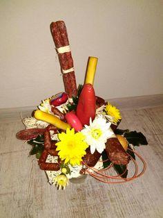 klobásová kytica Dairy, Wreaths, Cheese, Fall, Home Decor, Autumn, Homemade Home Decor, Door Wreaths, Deco Mesh Wreaths