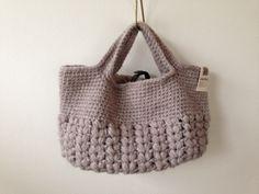 毛糸玉編みバッグ