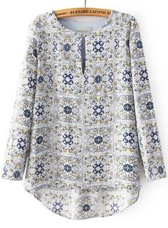White Round Neck Long Sleeve High-Low Floral Print Blouse Related posts: Solid Elegant Round Neckline Short Sleeve Blouses New Autumn 2018 Womens Tops and Blouses long sleeve chiffon blouse Mujer Moda … Floral Skater Short Sleeve Knee-Length A-line Dress Kurta Designs, New Blouse Designs, African Fashion Dresses, Fashion Outfits, Blouse Online, Blouse Styles, Printed Blouse, Floral Blouse, Blouses For Women