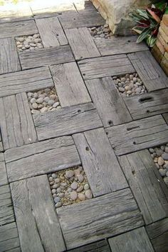 I'll bet my FIL has some wood I could use to make a walkway to the car! Reclaimed wood with stones garden walkway design Outdoor Projects, Garden Projects, Pallet Projects, Diy Pallet, Diy Projects, Pallet Ideas, Outdoor Ideas, Pallet Size, Outdoor Pallet