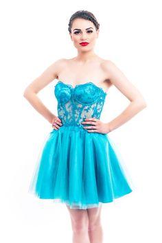 Fii încrezătoare şi elegantă în această #rochie albastru turcoaz, din tulle şi satin! #fashionromania #moda #turquoise