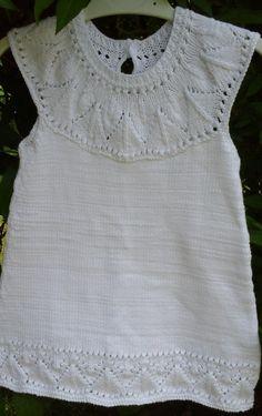 Les explications de la robe pour Xenia en taille 12 mois