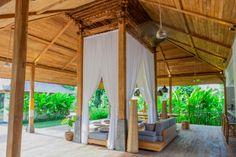 Villa Lumia Bali - Living Room with its century old Jolglo www.villalumiabali.com