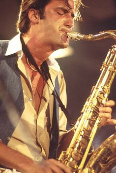 Michael Brecker of the Brecker Brothers, Montreux Jazz Festival, 1977. Jazz Artists, Jazz Musicians, Music Artists, Festival Jazz, Montreux Jazz Festival, Jazz Saxophone, Saxophone Players, Jazz Blues, Blues Music